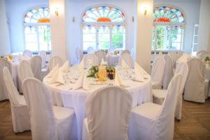 Przyjęcie weselne w dworku w Mogilanach