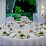 Przyjęcie weselne w ogrodach w muzeum w Krakowie